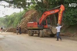 В Колумбии работавший незаконно бар завалило оползнем, есть жертвы