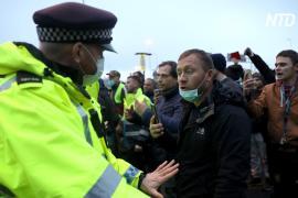 В британском порту Дувр произошли стычки между водителями грузовиков и полицией