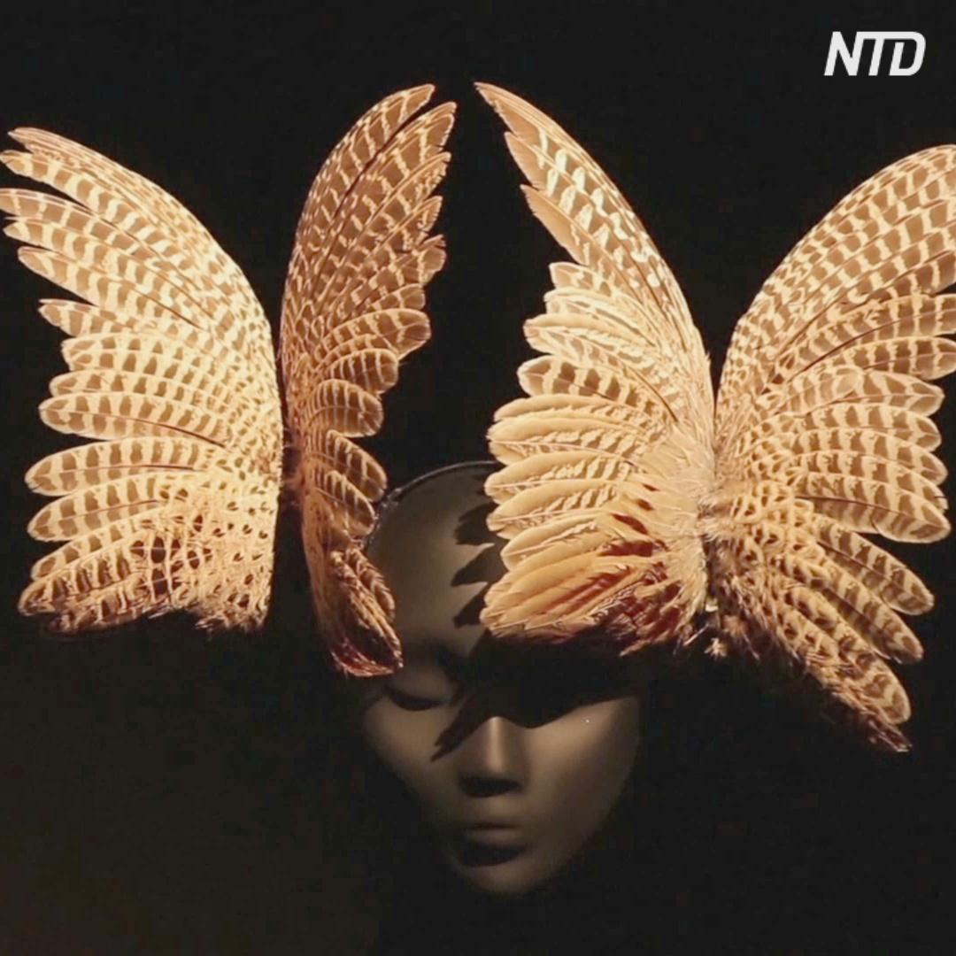 Экстраординарные шляпы Филипа Трейси: новая выставка в Петербурге