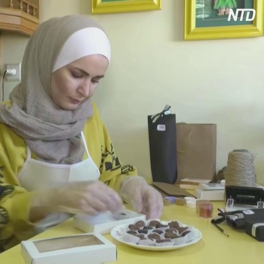 Сирийка сама выучилась на шоколадных дел мастера