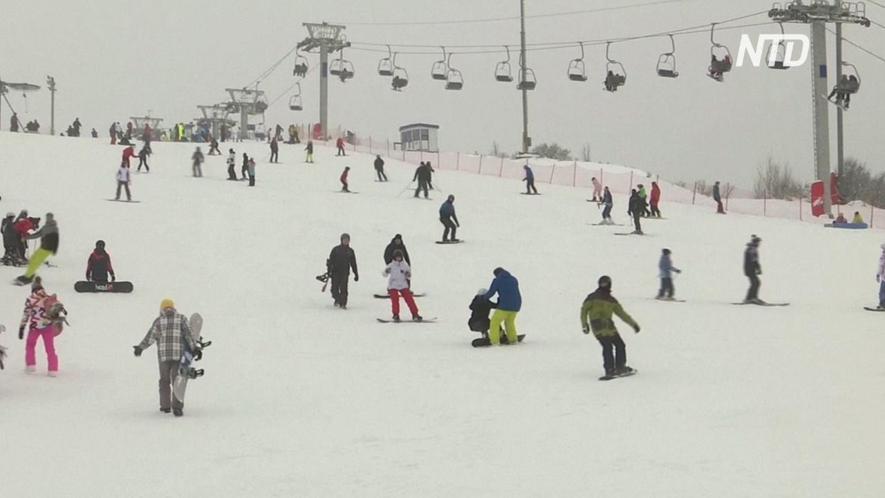 Подмосковный горнолыжный курорт полон гостей, несмотря на пандемию