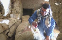 В Египте нашли погребальный храм жены фараона Тети и 54 саркофага с мумиями