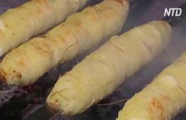 Восточная сладость на вертеле: в Иордании по-новому готовят кнафе