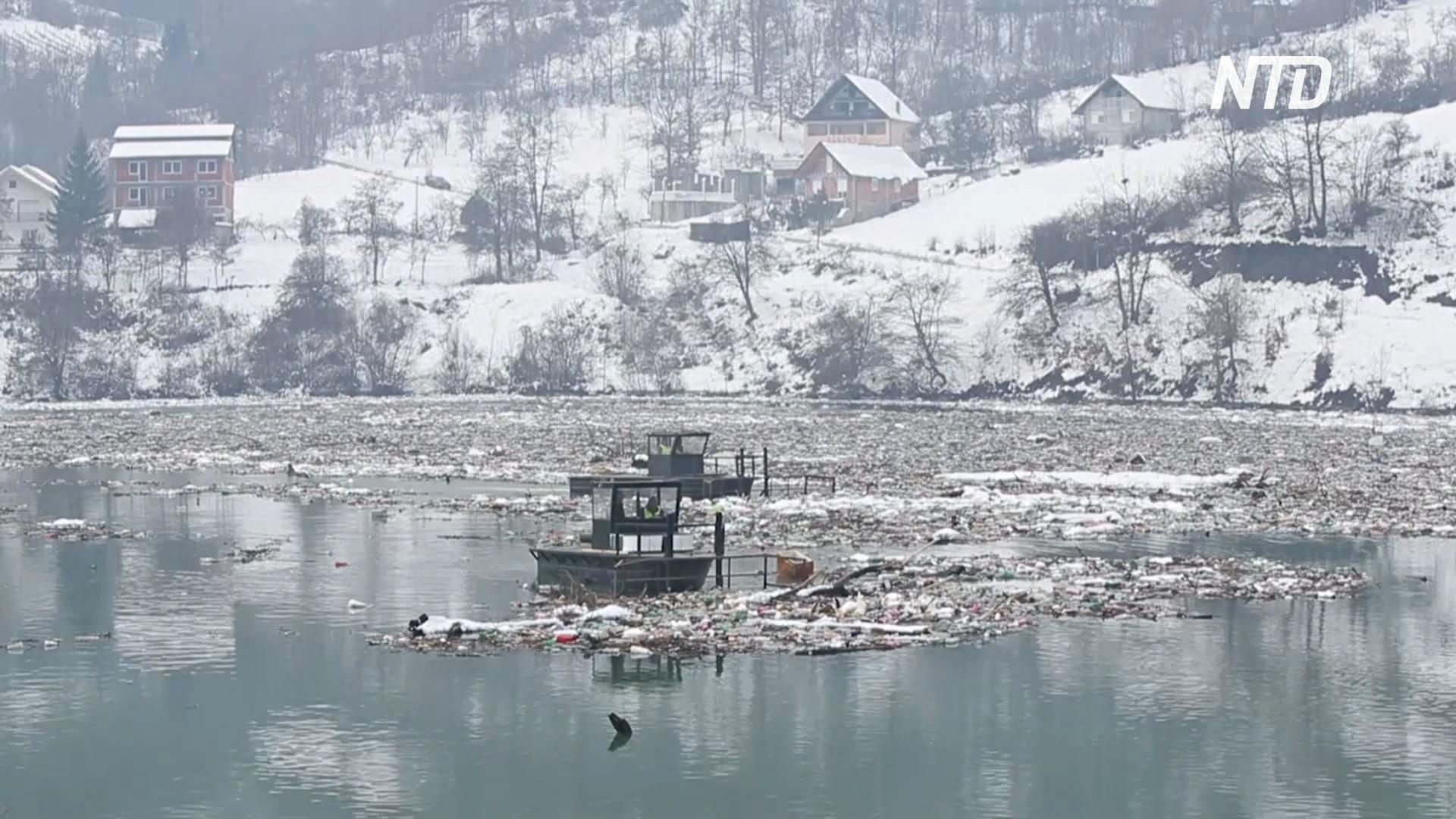 Реки Сербии утопают в пластиковых отходах