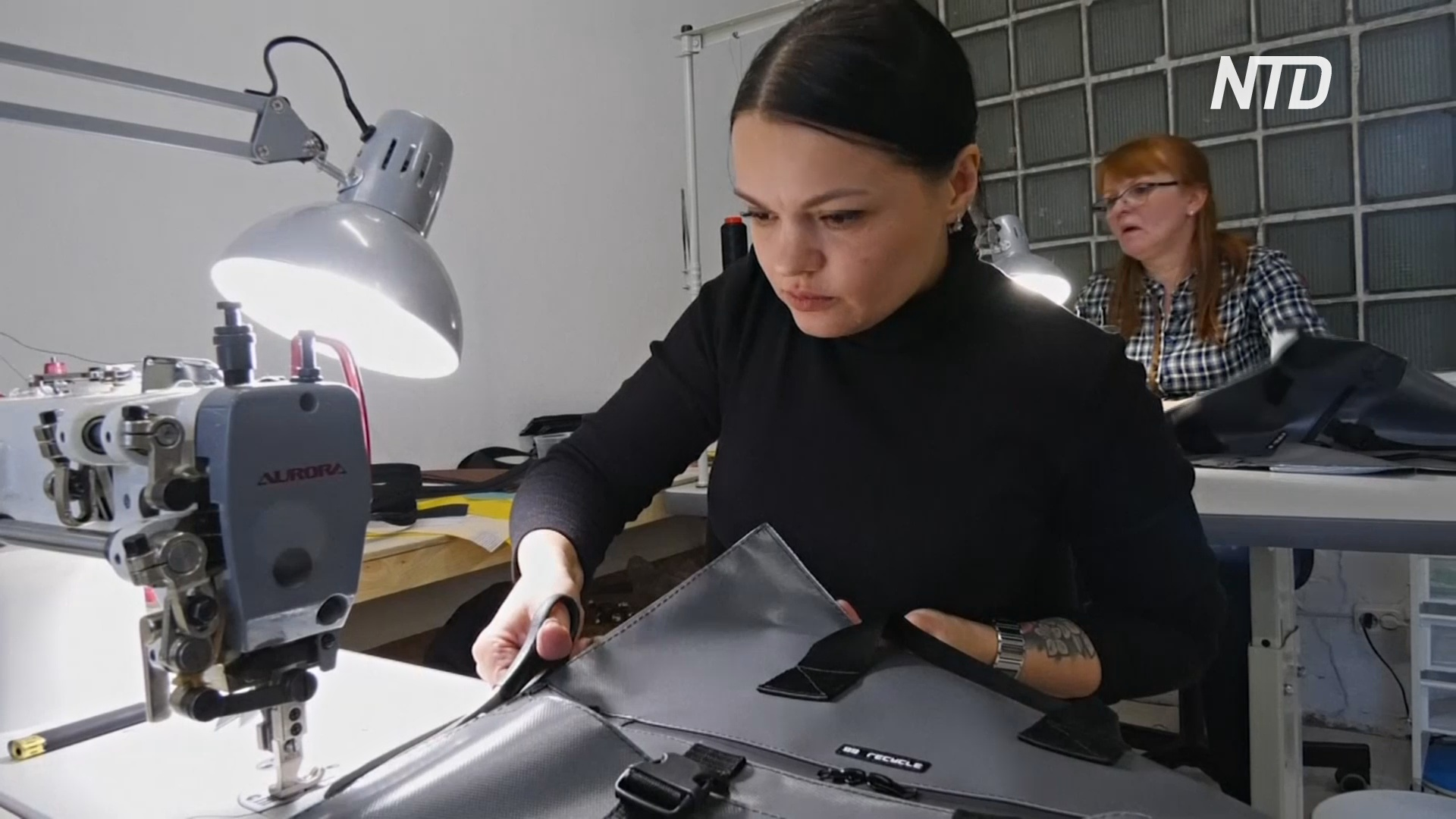 Рюкзаки, скейты и бижутерия: во что питерская компания превращает вторсырьё