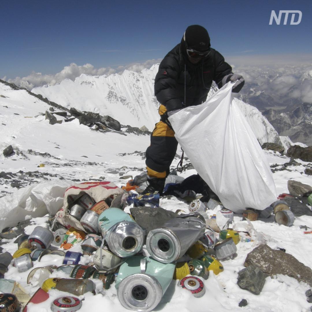 Из мусора с Эвереста сделают инсталляции и покажут в музее