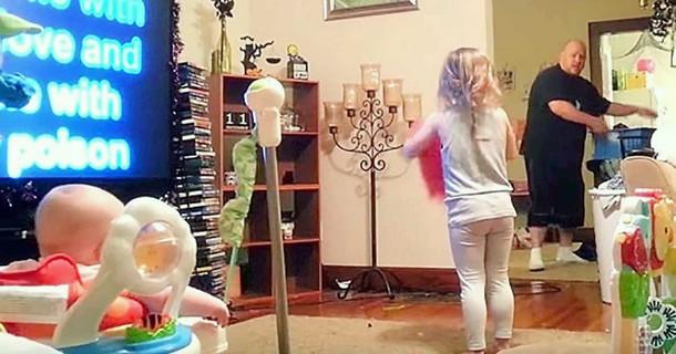 Novyj risunok - Как папа проводит время с детьми, когда мамы нет дома