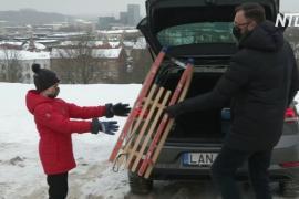 В Литве прокатные машины укомплектовали санками