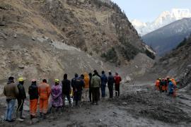Сход ледника в Гималаях: 170 пропавших без вести продолжают искать