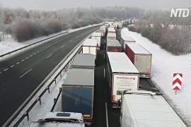 30-километровая очередь из грузовиков: Германия закрыла границы с Чехией и Австрией
