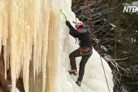 В Чехии на фоне холодов и карантина входит в моду ледолазание