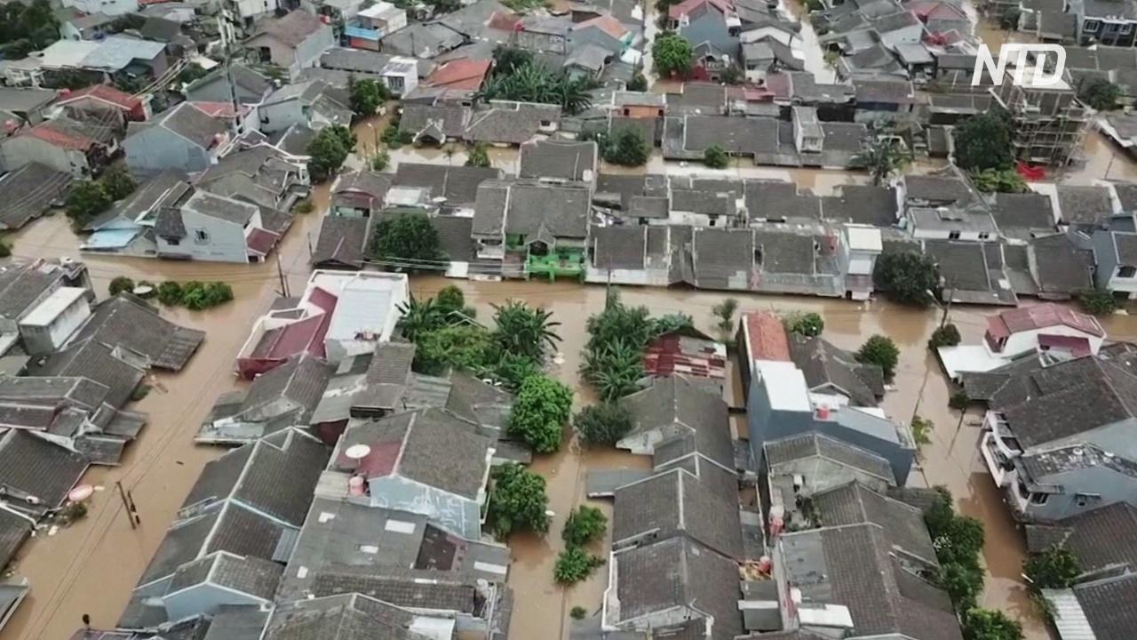 Кадры с воздуха: в Джакарте затоплены целые районы