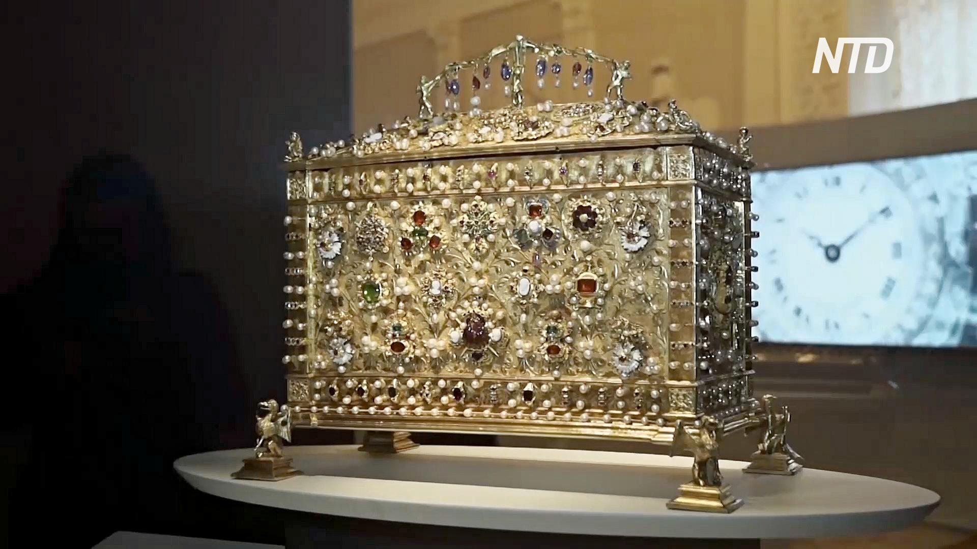 Сокровища Cartier и отреставрированные шедевры Эрмитажа представили в Петербурге