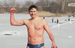 Чешский фридайвер установил мировой рекорд по плаванию подо льдом