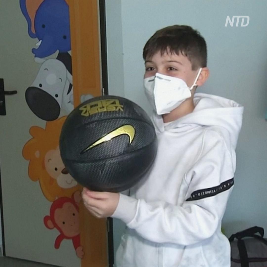 10-летний испанский мальчик провёл 11 дней в реанимации и победил COVID