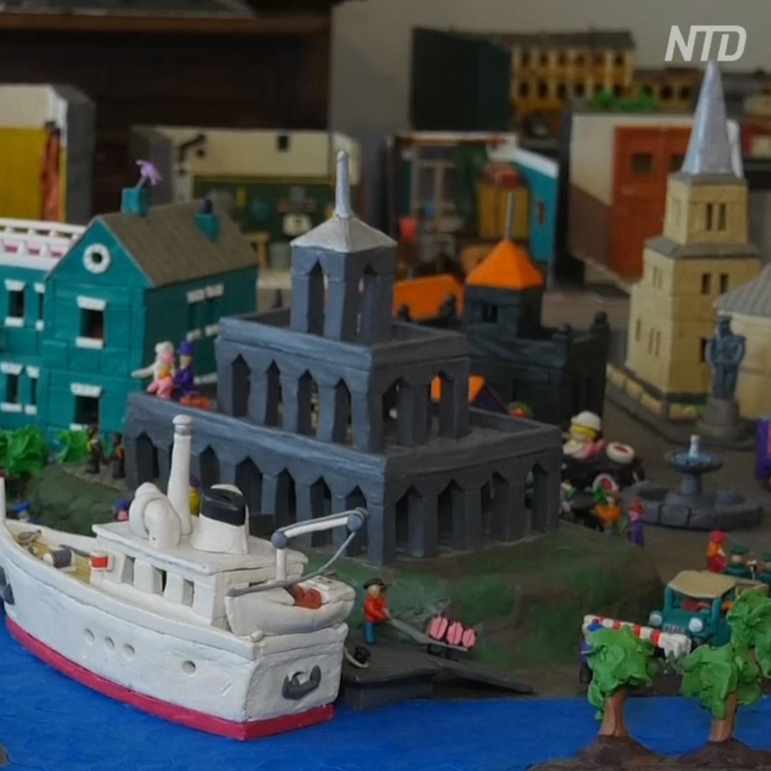 Москвич делает пластилиновые сцены из жизни Москвы