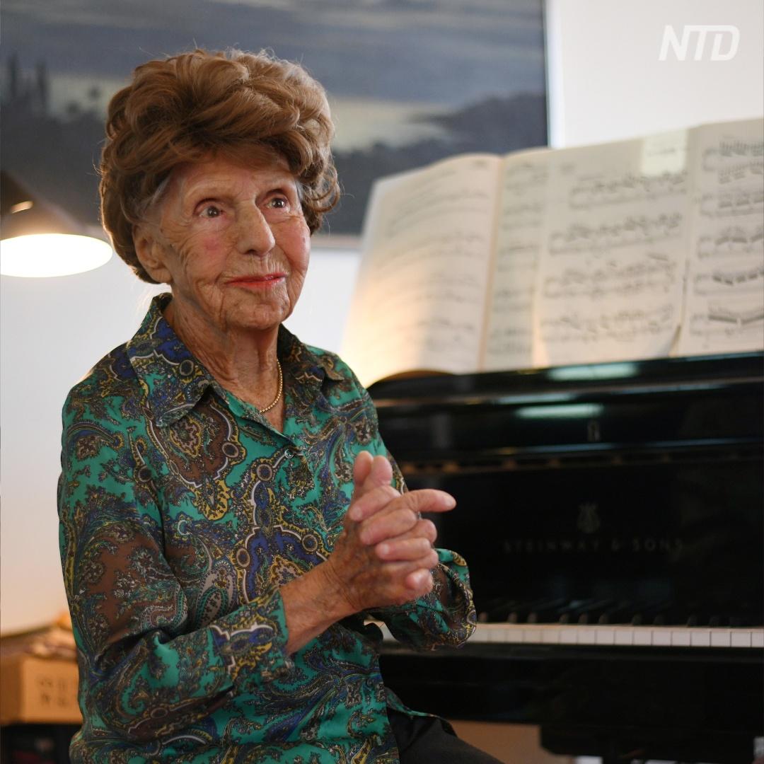 106-летняя французская пианистка по-прежнему записывает альбомы