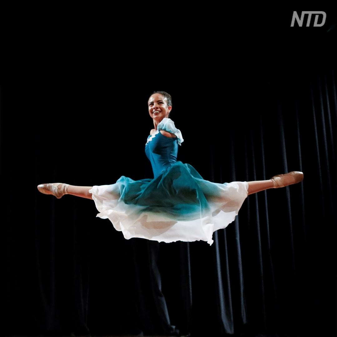 Балерина без рук покоряет зрителей в Бразилии