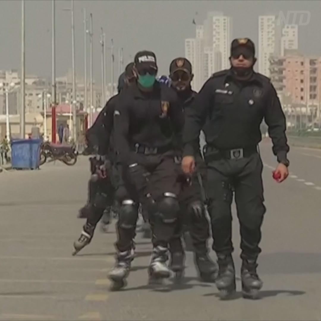 Полицейские Карачи будут гоняться за воришками на роликах
