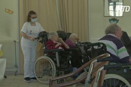 Французские медработники не спешат делать прививку от COVID-19
