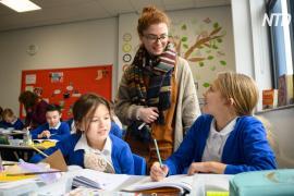 Британские дети возвращаются за школьные парты