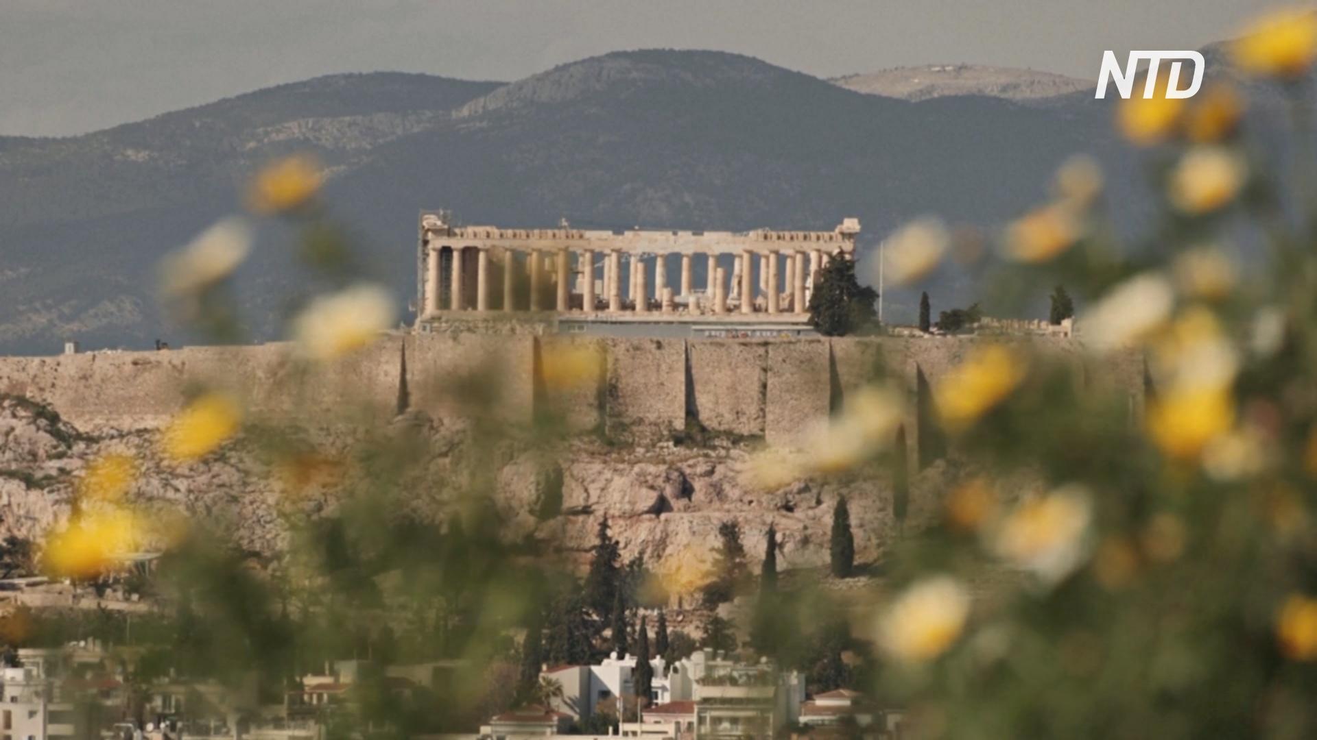 В Греции с приходом весны расцветают персиковые и миндальные деревья
