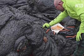 На лаве вулкана в Исландии жарят сосиски