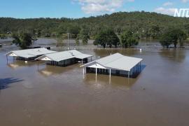 Наводнения в Австралии: погода налаживается, но эвакуации продолжаются