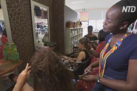 Мать и дочь нашли бизнес-нишу и плетут австралийкам африканские косички