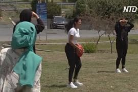 В Австралии беженцев приобщают к спорту и помогают им влиться в общество