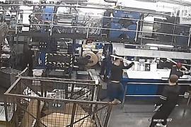 В Европе и США осудили нападение на печатный цех Epoch Times в Гонконге