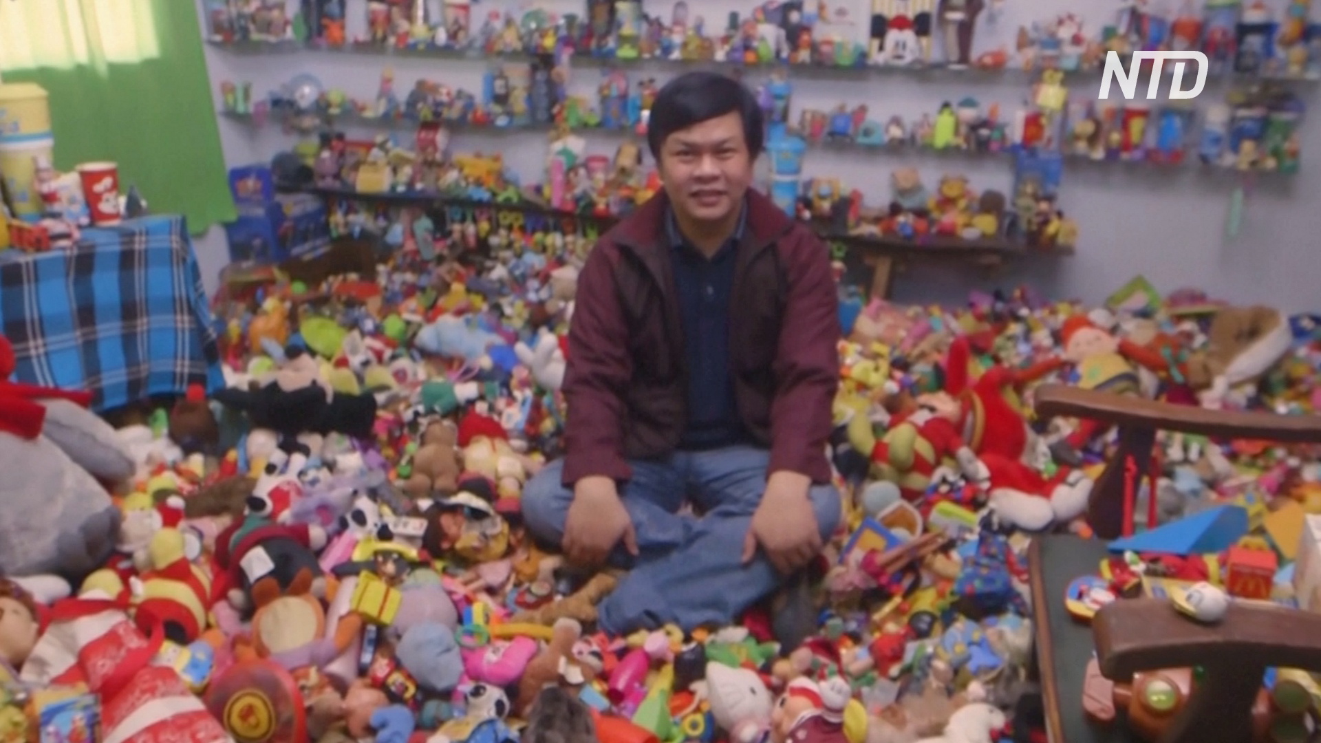 Филиппинец за 45 лет собрал 20 тысяч игрушек из ресторанов быстрого питания