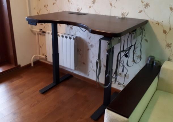 Геймерский стол с электрорегулировкой Ergostol Stream на двух опорах