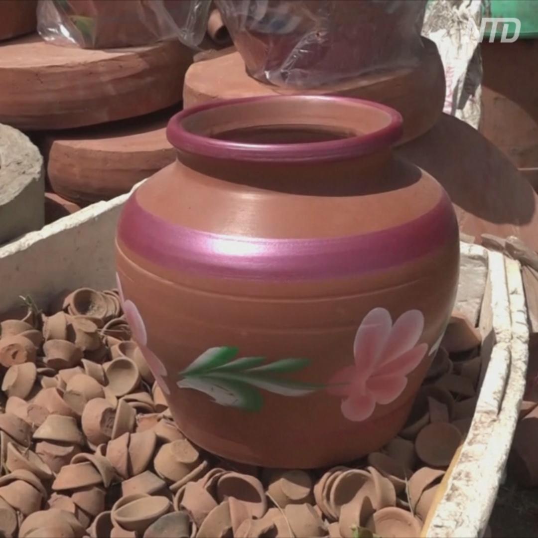 Почему в жару индийцы предпочитают глиняные горшки, а не холодильники