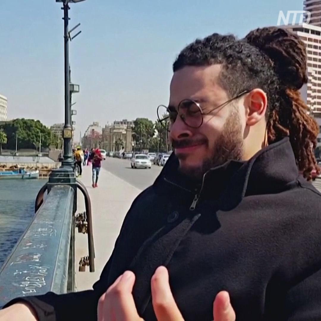 Как человек-саксофон из Египта ходит по улицам и играет без инстумента