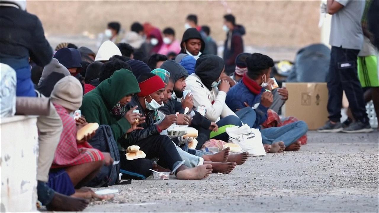На Мальту и итальянскую Лампедузу не иссякает поток мигрантов