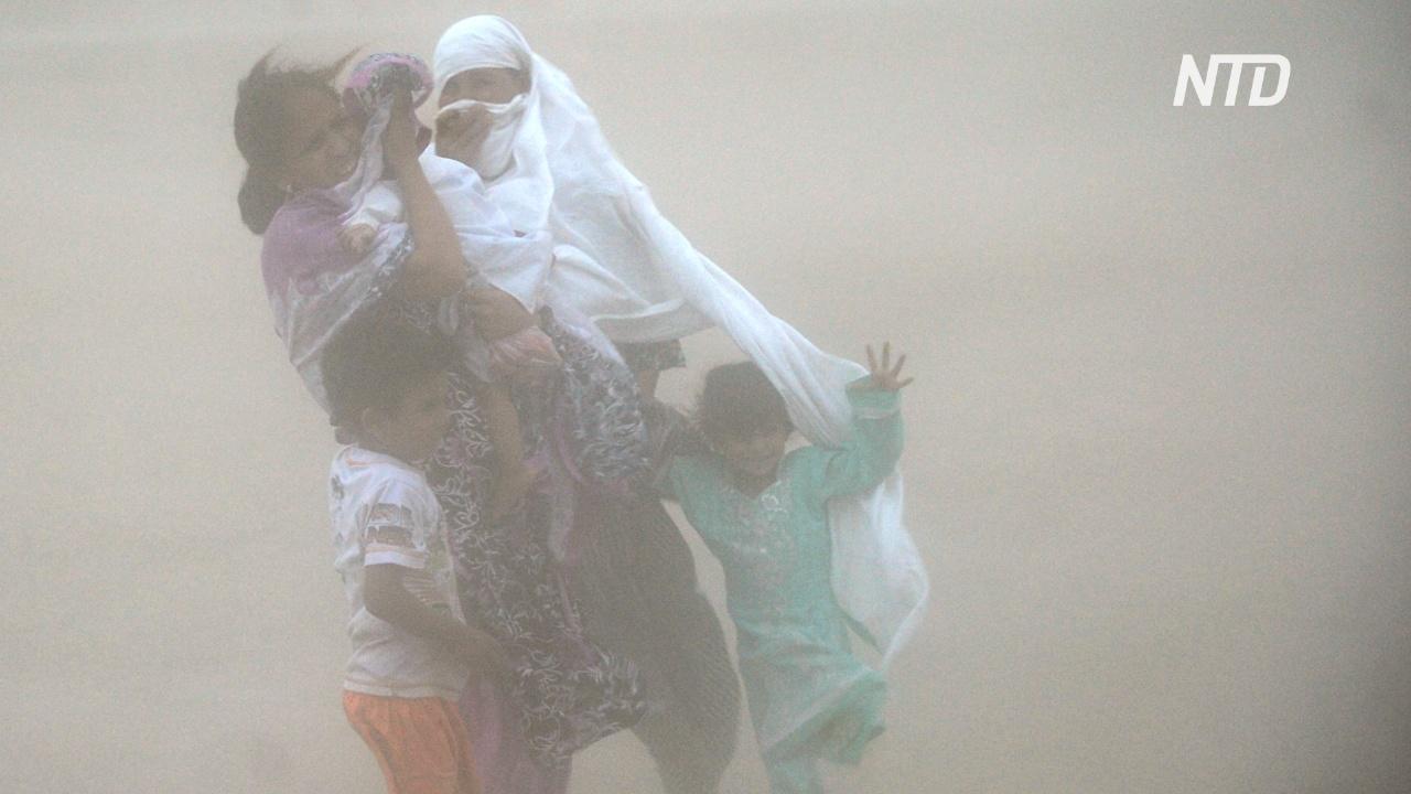 Карачи накрыла пыльная буря, есть жертвы