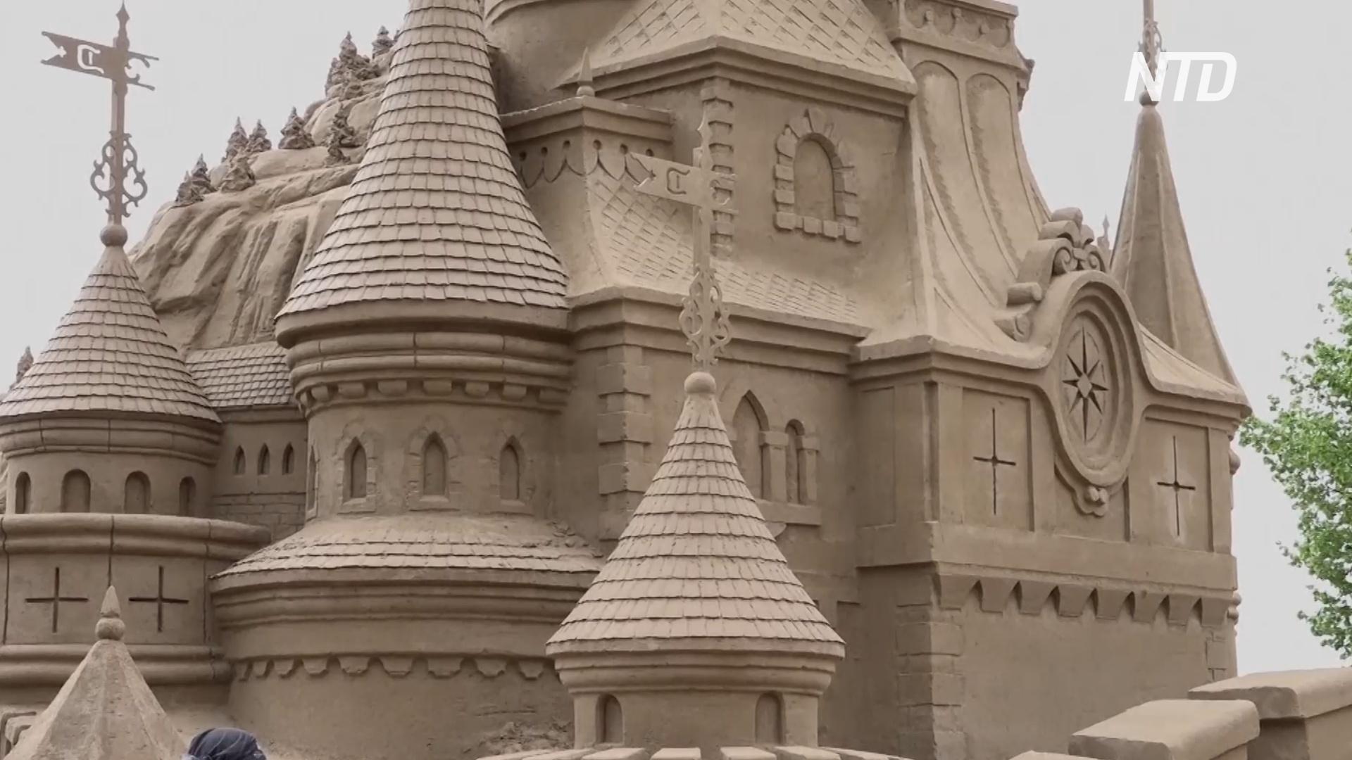 В атмосферу странствий погружает фестиваль песчаных скульптур в Петербурге