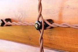 Керамические ретро-изоляторы для наружной проводки – стильно и надёжно!