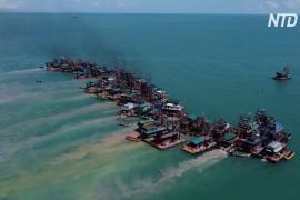 Индонезийские рыбаки жалуются на сокращение улова из-за добычи олова