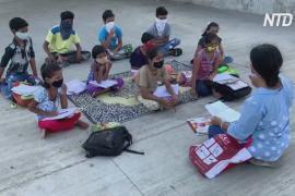 Школа у реки: как две жительницы Индии обучают детей из трущоб