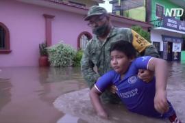 Дожди в мексиканском штате Оахака: улицы превратились в реки