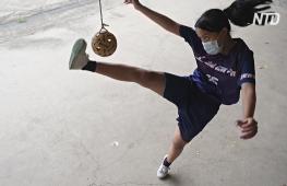 Карантин не помеха: игроки в малайский волейбол тренируются по двое