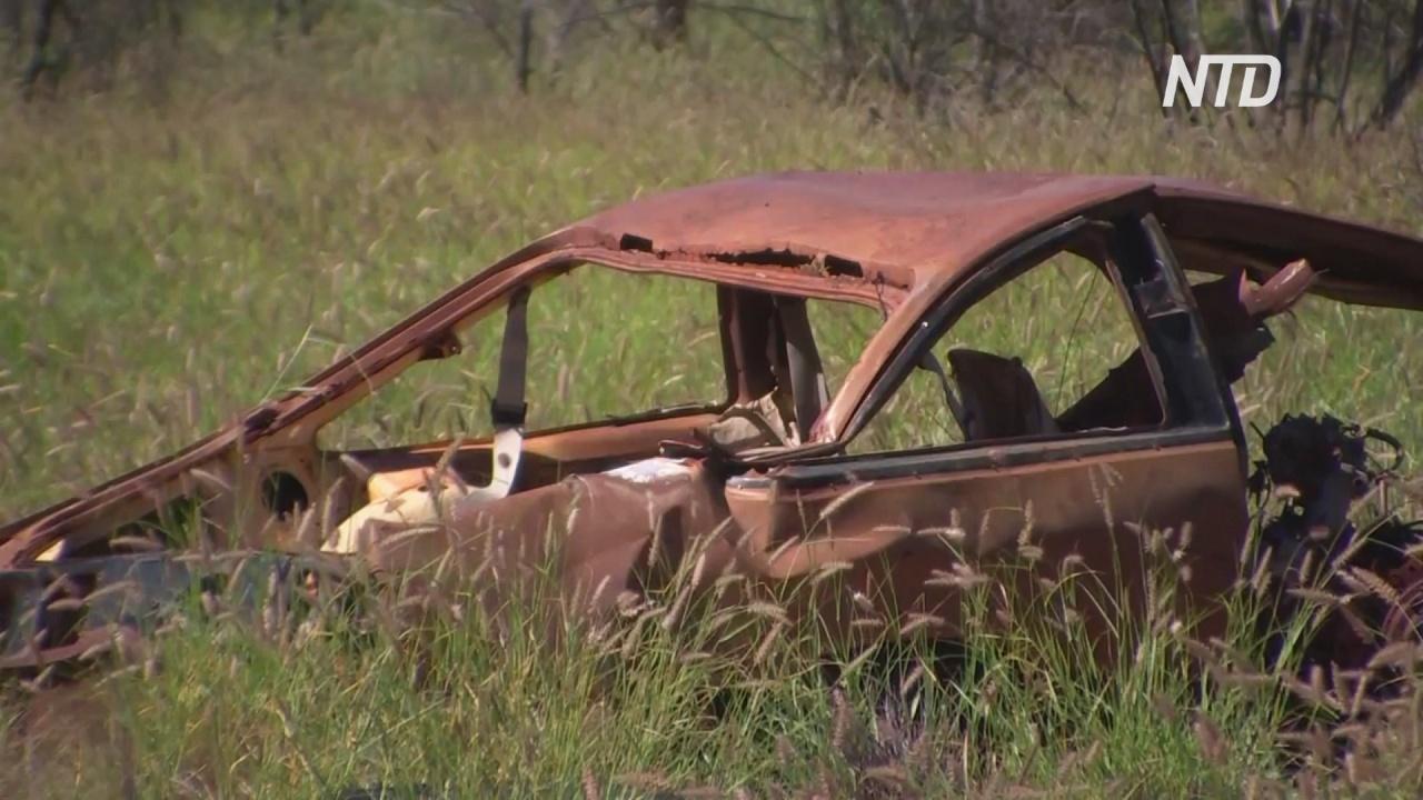 Австралийские мастера ищут в пустыне брошенные машины и ремонтируют их