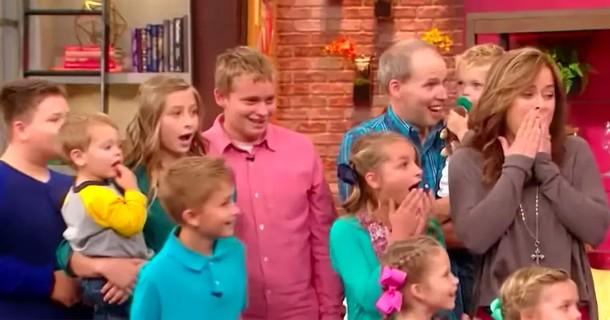 Какой сюрприз получила семья, принявшая шесть детей