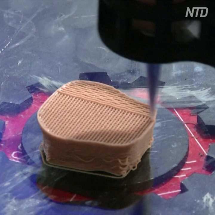Как стейки из заменителя мяса печатают на 3D-принтере