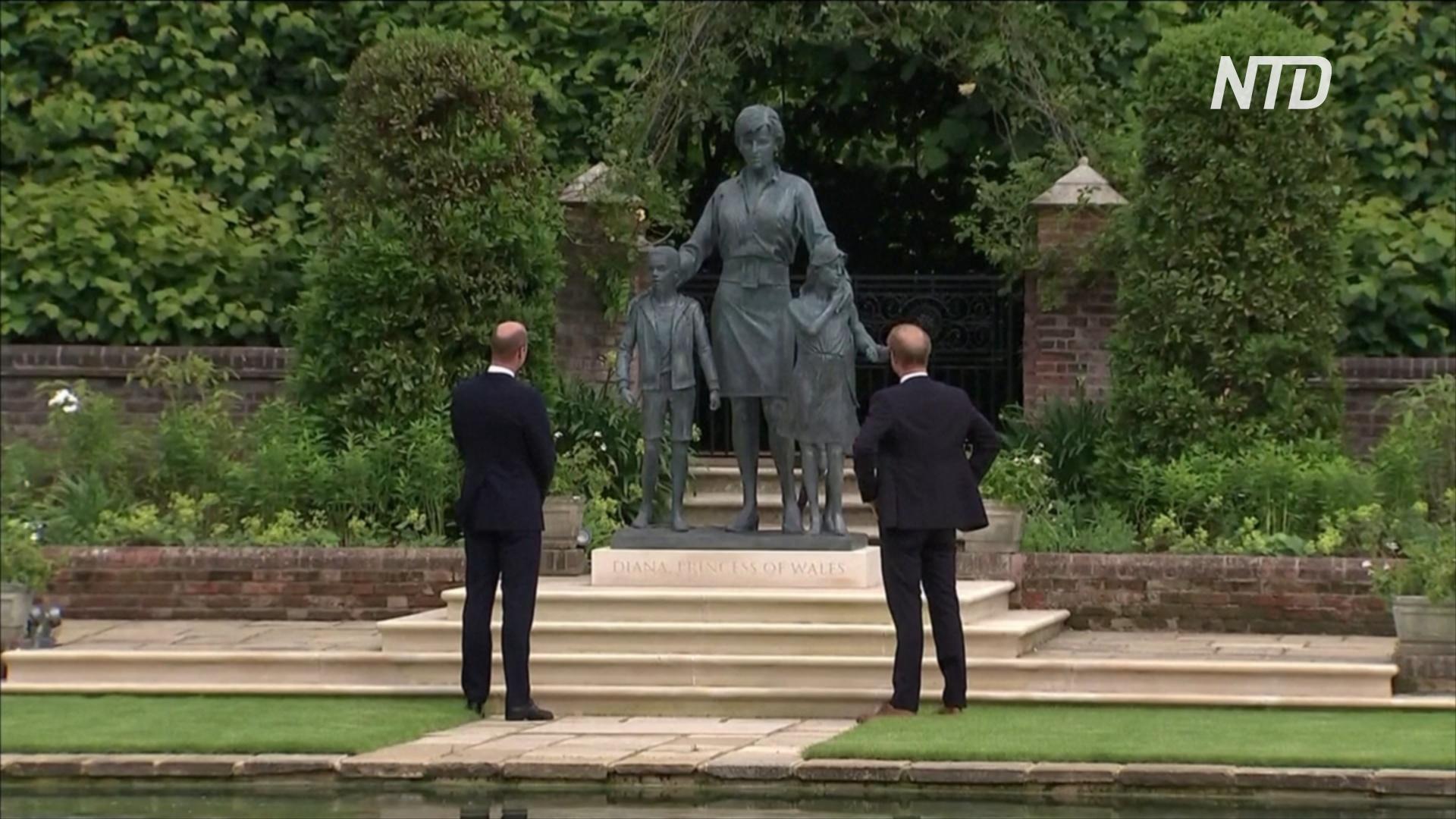 Принцы Уильям и Гарри открыли статую принцессы Дианы в Лондоне