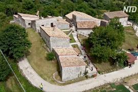 Заброшенные хлева и казармы Италии превращают в хостелы и культурные центры