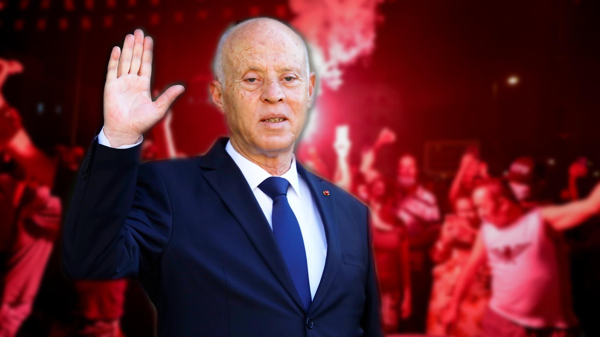 Президент Туниса уволил премьера, заморозил парламент и пошёл протестовать