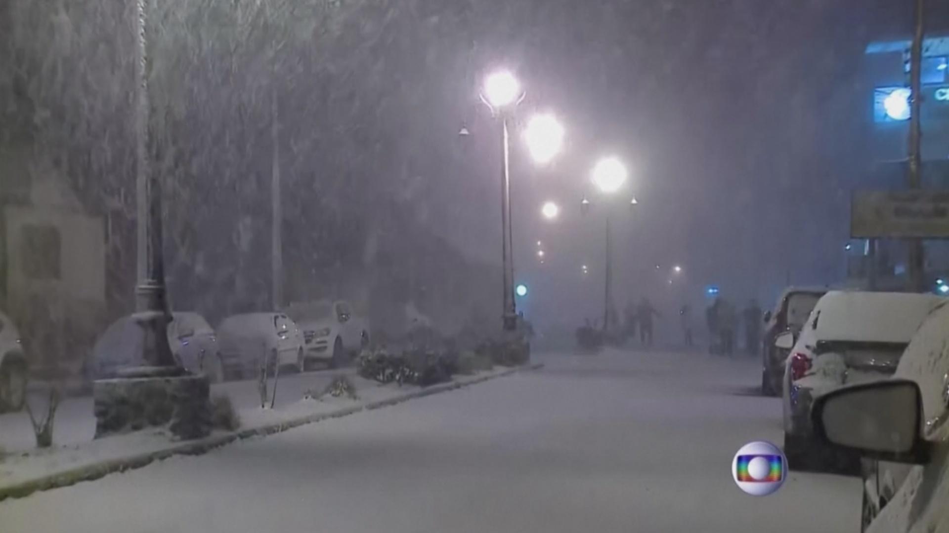 В Бразилии неожиданно выпал снег